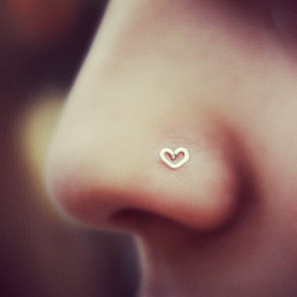 14K Gold Heart Outline Nostril Piece – Cool Nose Rings